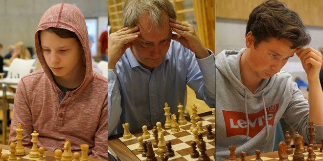 De tre som har vunnet sin klasse før siste runde. Fra venstra: Kadettnorgesmester Mads Vestby-Ellingsen; Vinner av mesterklassen FM Jøran Aulin-Jansson; vinner av klasse 2 Mathias Nesheim. FOTO: Foto: Anniken Vestby, sjakknm2016.no